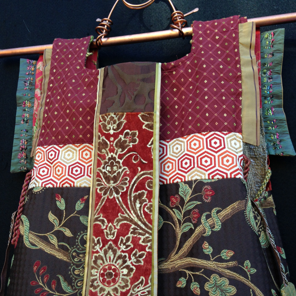 back detail view of Pinon TUNIX